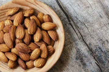 12 Miraculous Health Benefits of Eating Organic Almonds
