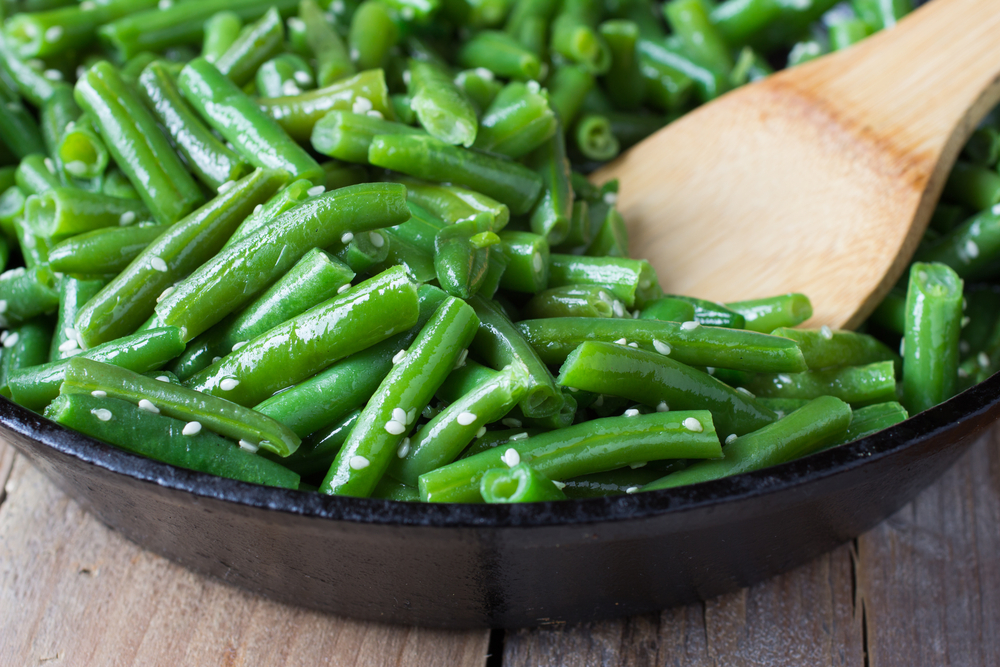 cooked-green-beans-with-sesame-seeds