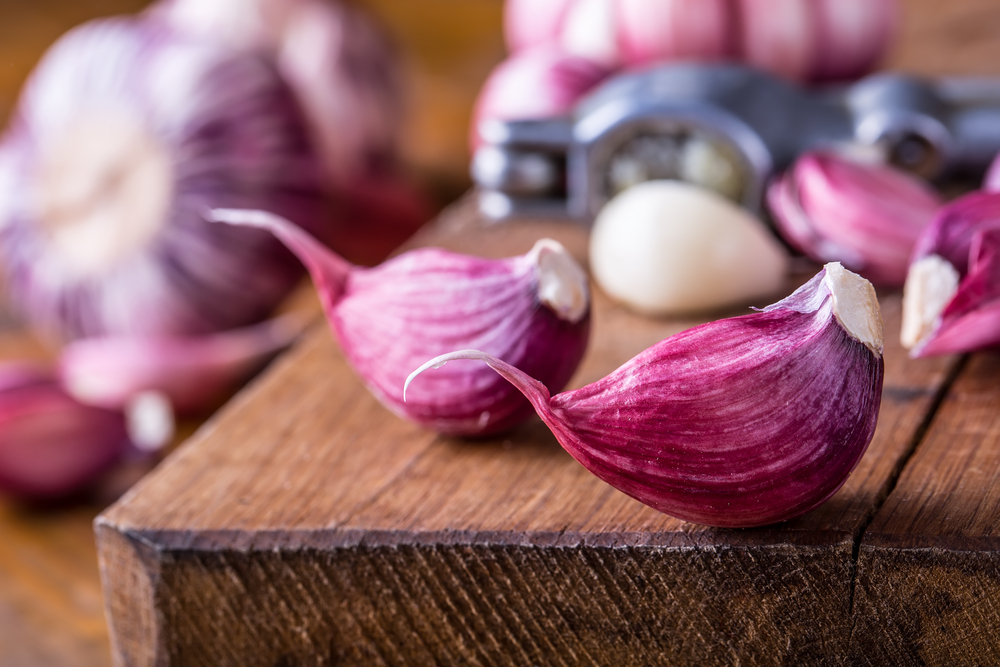 garlic-close-up