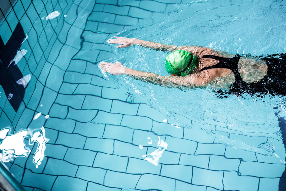 healthy-girl-swimming