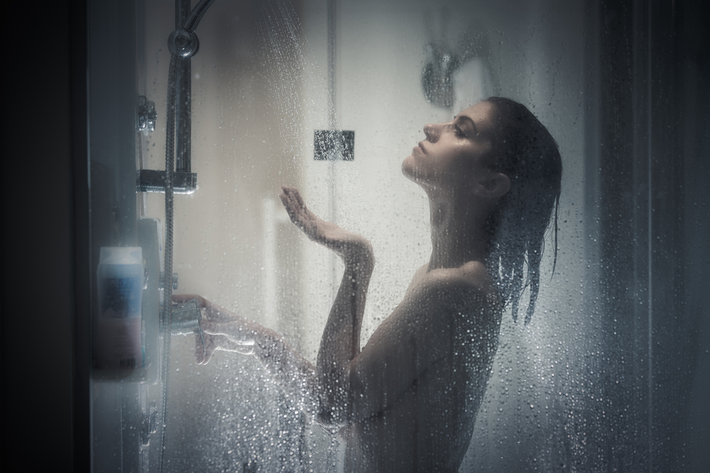 pretty-girl-showering