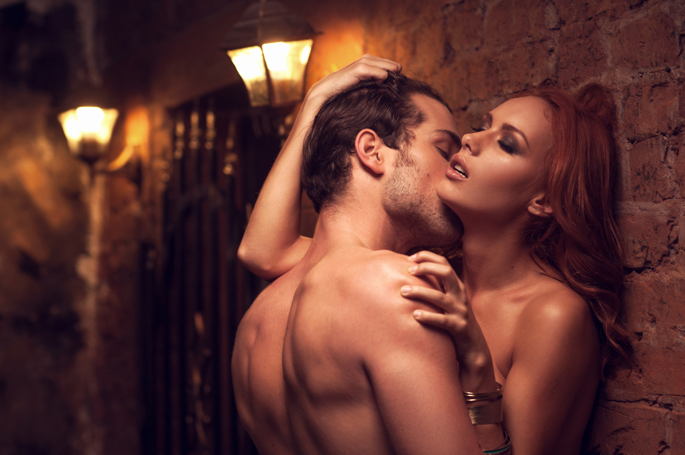 sexy-couple-foreplay