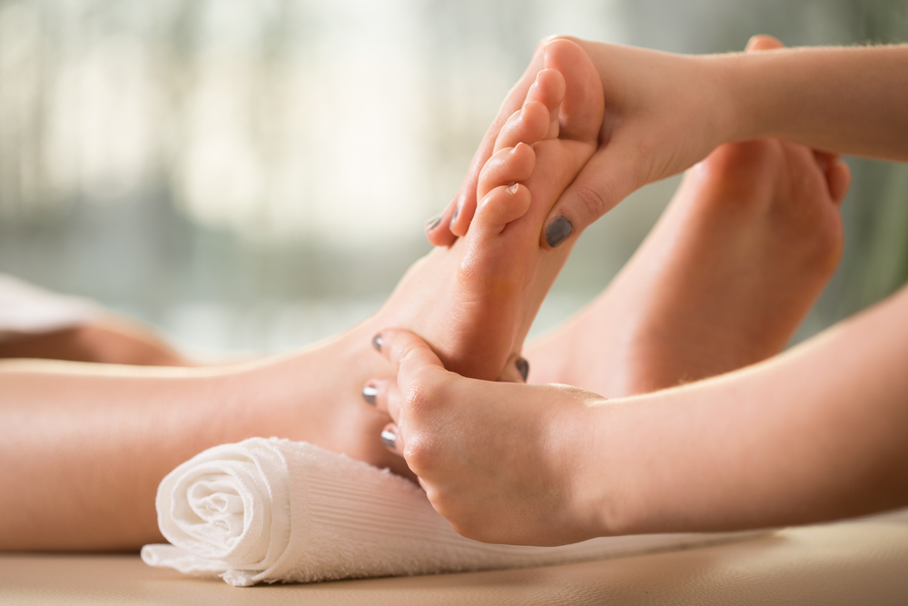 woman-doing-leg-massage