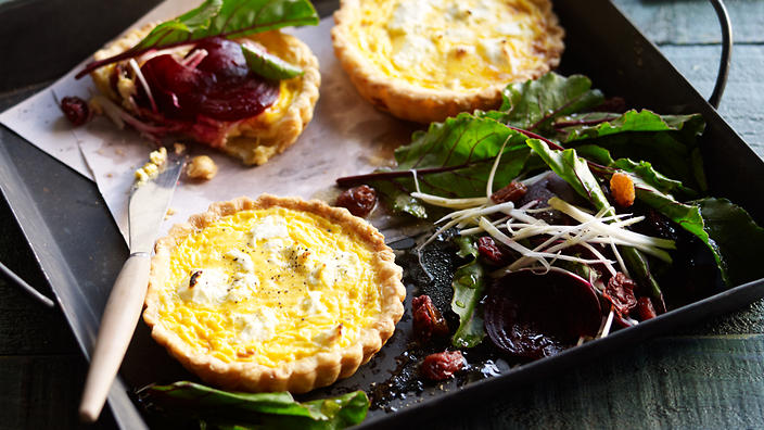 Goat's cheese tarts with beetroot salad