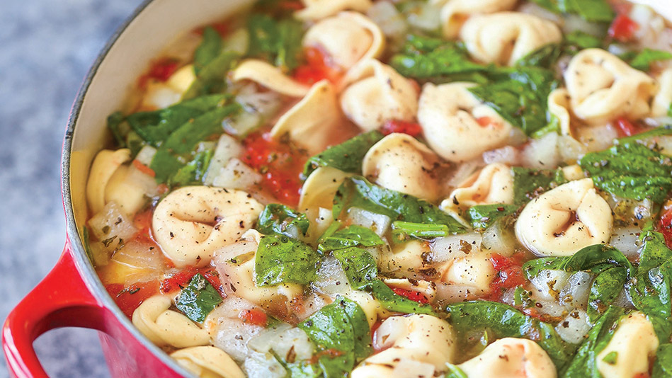 One-Pot Spinach and Tomato Tortellini Soup