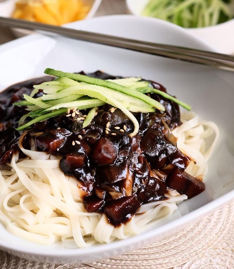 jjajangmyeon-korean-black-bean-sauce-noodles