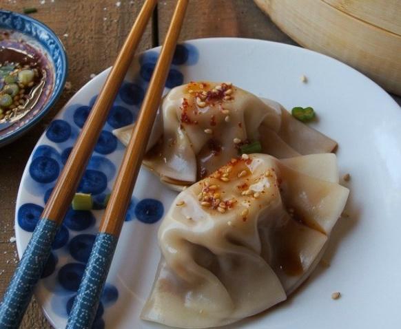 mandu-korean-kimchi-dumplings