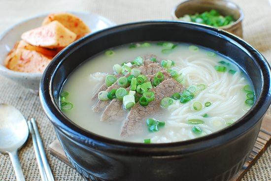 seolleongtang-beef-bone-soup