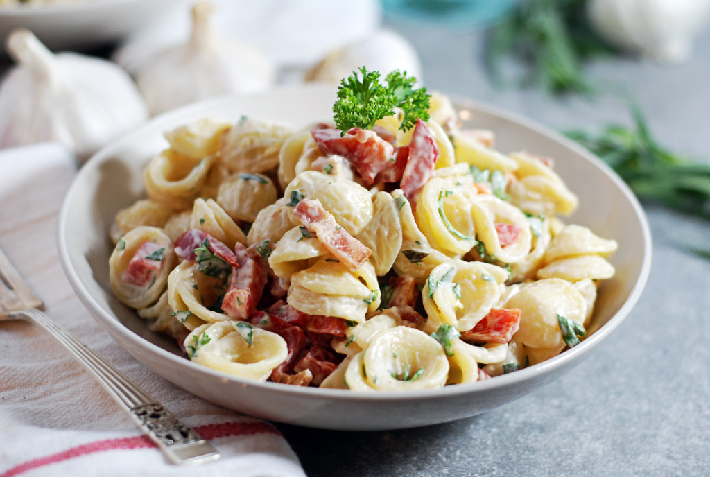 Creamy Tarragon and Roasted Garlic Pasta Salad