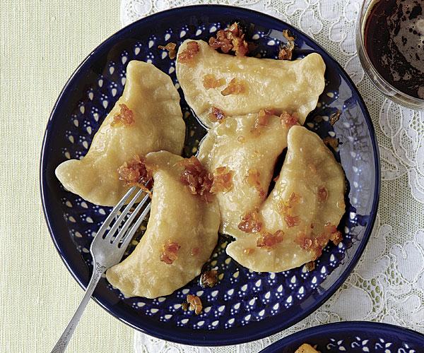 Potato-Cheese Pierogi (Pierogi Ruskie)