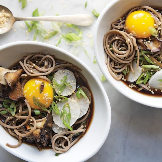 soba-and-maitake-mushrooms-in-soy-broth