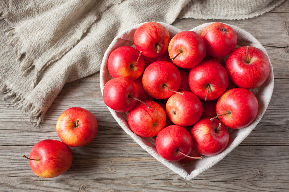 20 Health Benefits of Eating Organic Apples! Reduced Risk ...