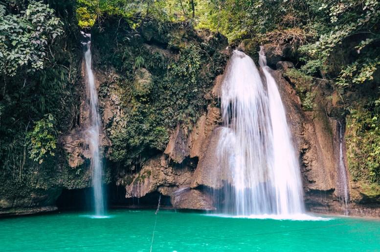 Beautitful Kawasan Falls in Cebu City, Philippines