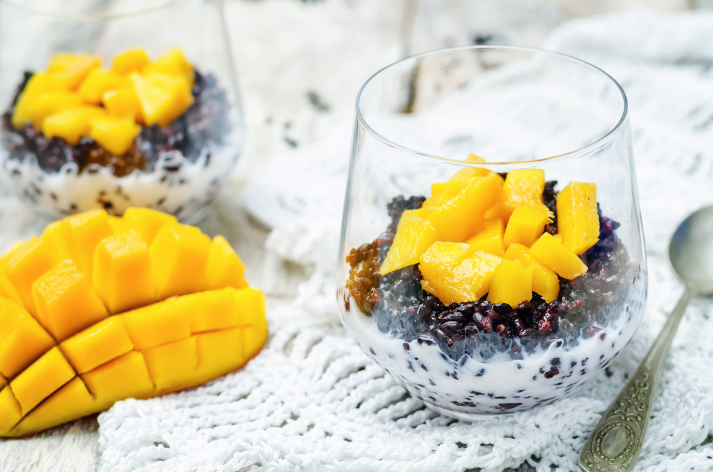 Coconut black rice mango pudding
