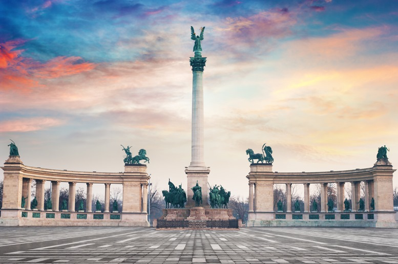 Heroes' square (evening view)