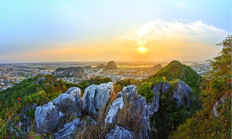 Hui Son and Kim Son mountains, Marble mountains, Vietnam