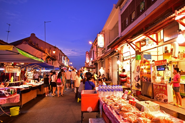 Jonker Street is the centre street of Chinatown in Malacca.