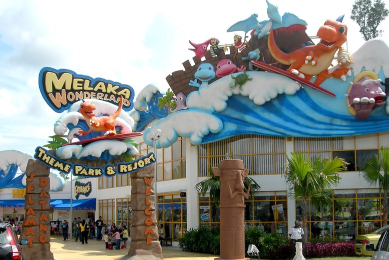 Melaka Wonderland Theme Park and Water Rides