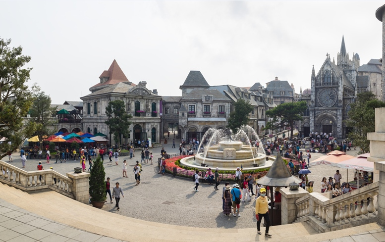 Panorama view of Ba Na Hills Mountain Resort