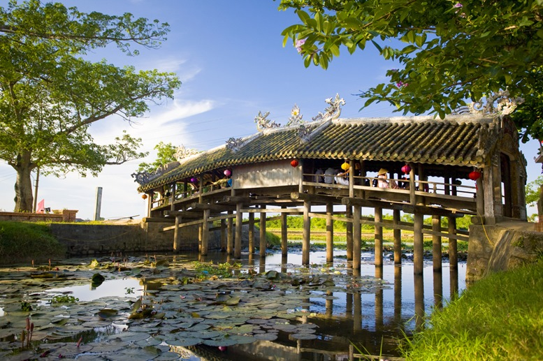 The Japanese Bridge (Thanh Toan) The ancient wooden Thanh Toan Bridge