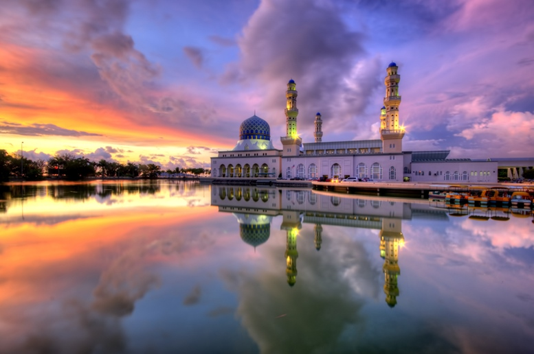 The floating Kota Kinabalu City Mosque with sunset moments.