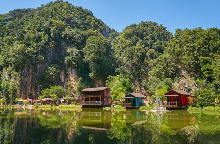 Wooden house at Ipoh Lake, Perak, Malaysia. Featured Image