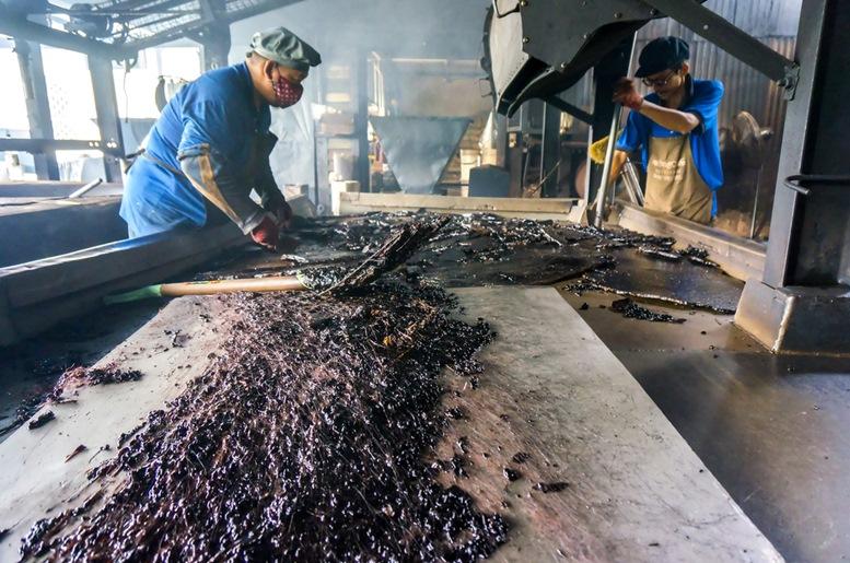 Aun Tong Coffee Mill