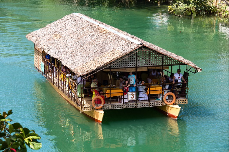 Cruising the Loboc River