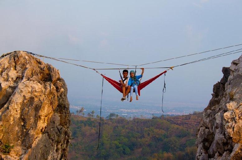 Hammocking at Tebing Gunung Hawu