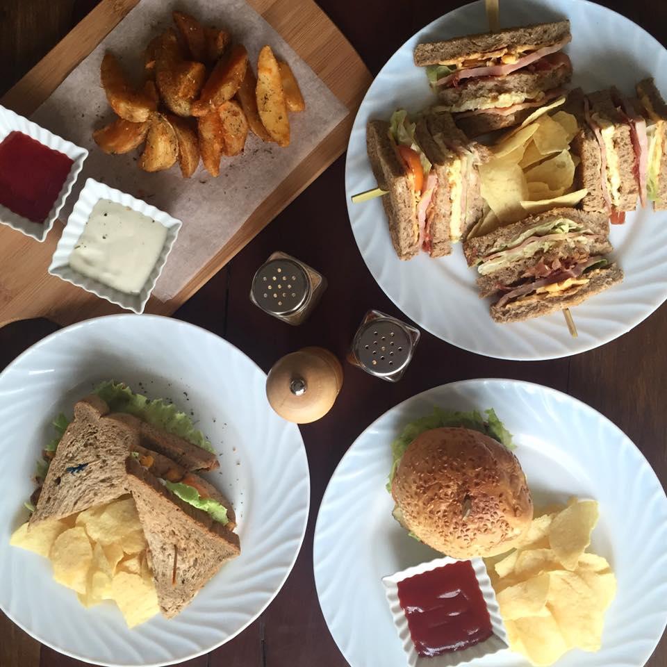 Hills Café 3