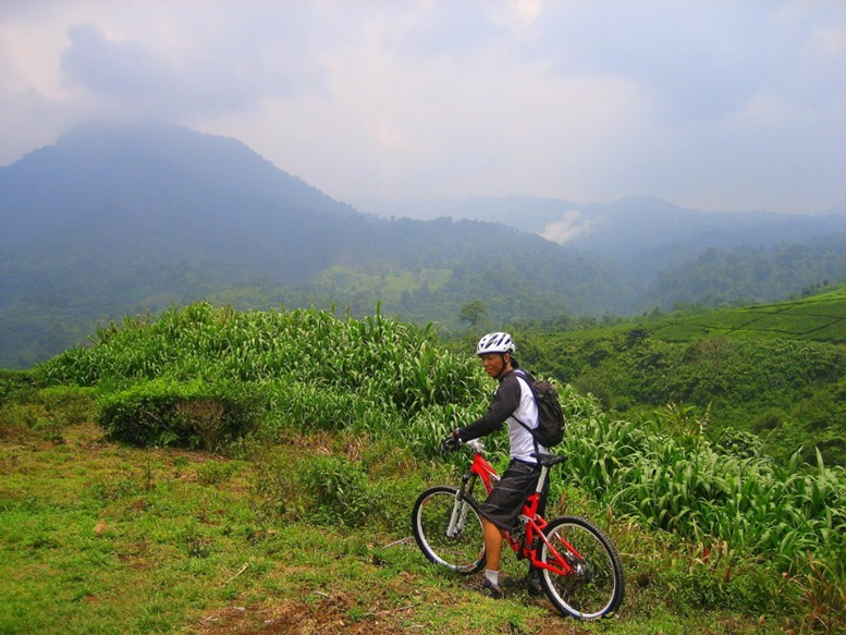 Mountain Bike Trip to Cianten, Bogor, Indonesia