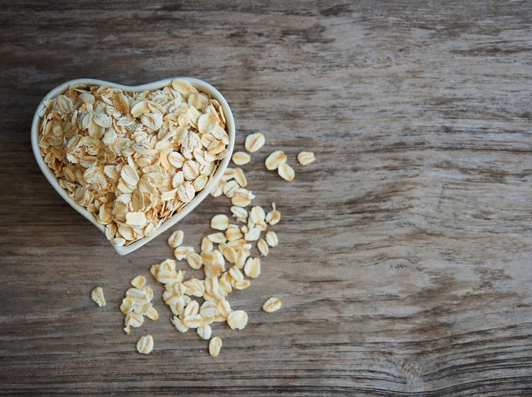 Old fashioned rolled oats. WE LOVE OATS