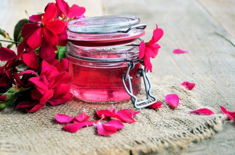 Rose Geranium (Pelargonium Graveolens) Essential Oil - Featured Image