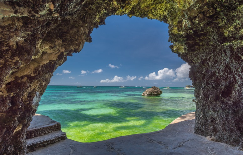Seaview from the cave at Boracay island White Beach