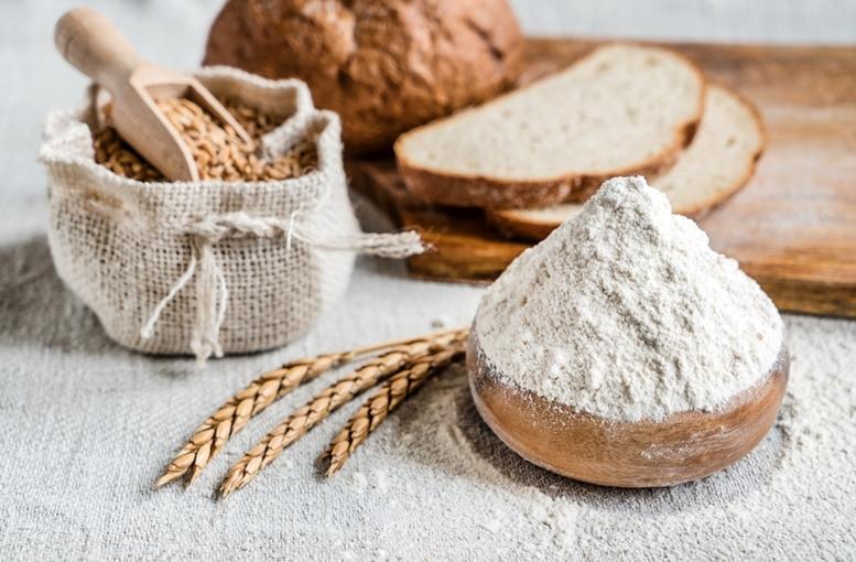Spelt wheat and flour
